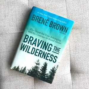 Hardcover Brené Brown Braving the Wilderness
